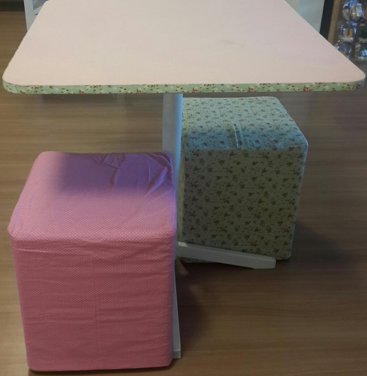 E fácil assim sua mesa está pronta! Você pode pintar as pernas para concluir a repaginação ;)